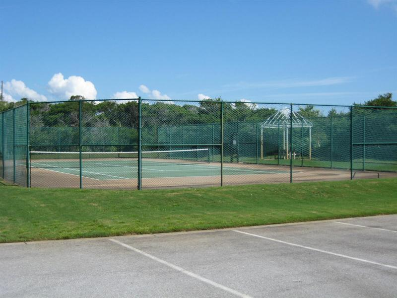 Enjoy a Family Match on the Complex Tennis Courts