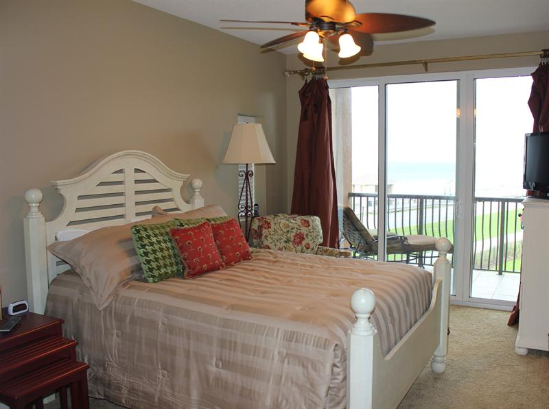 Guest Bedroom with Gulf Views Unit 315