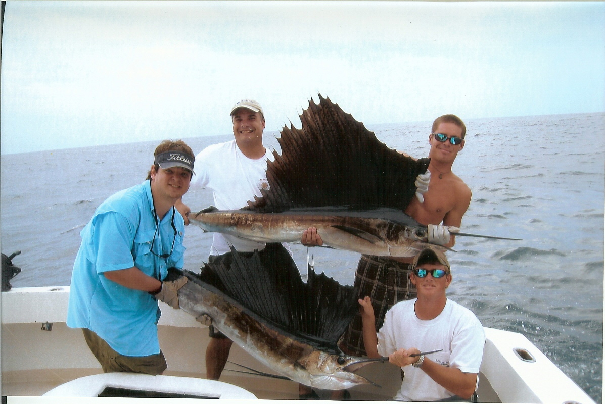 Charter boat outta line capt trey windes for Charter fishing destin