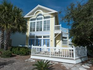 Looking for a Sunny Oasis in Crystal Beach, Florida